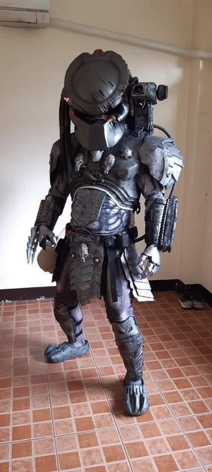 Cosplayer dressed as Predator