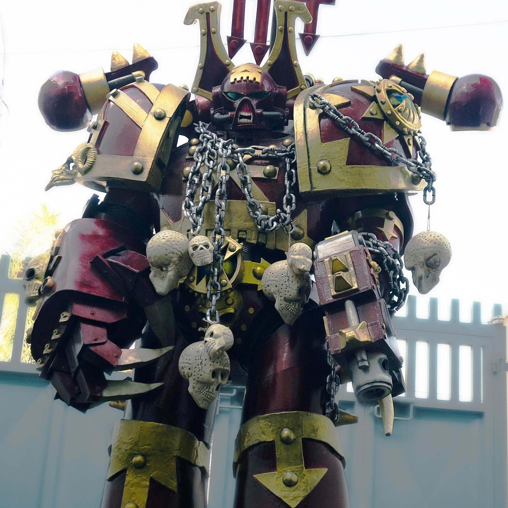 Giant, bulky armor with lots of spikes